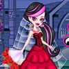 Can you believe it? Draculaura and Clawd is getting married! Draculaura has bee